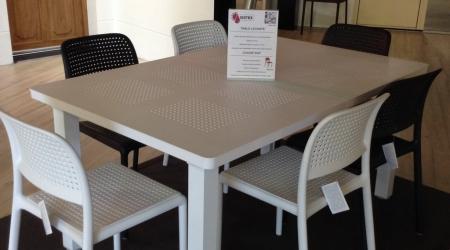 Table Levante / chaise et fauteuil Rap